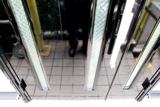 アルミ玄関ドア 施工後