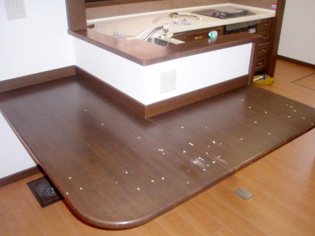 5:窓テーブルカウンター焦げ痕